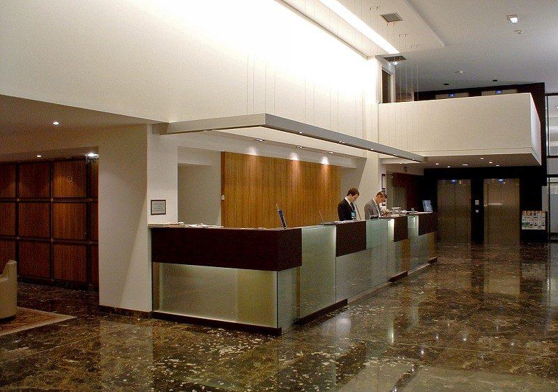 Emperador dark Hotel Crown Plazza - Hôtel Crowne Plaza - Agence Motte - Deroubaix